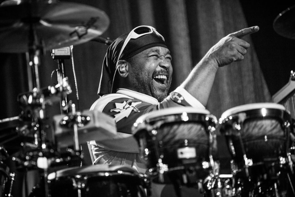 Carter Beauford Performing