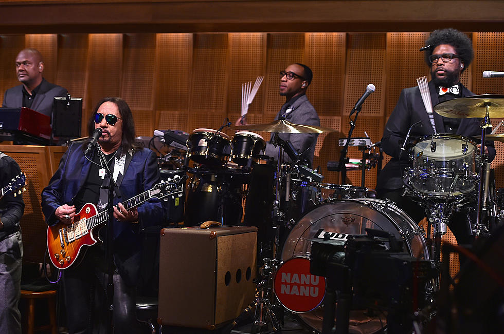 questlove in tonight show with jimmy fallon